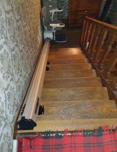 Monte-escalier droit déplié