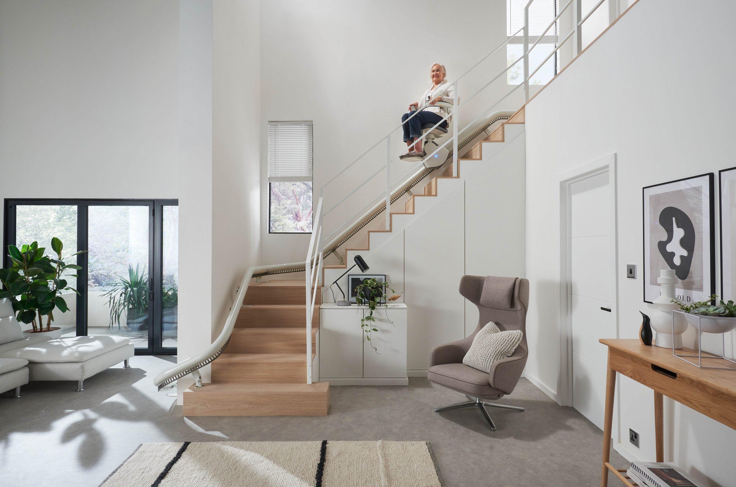 monte escalier étroit